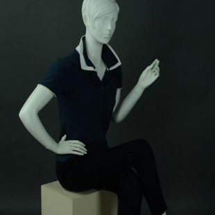 美展实业专业生产服装模特、货架、衣架、道具等