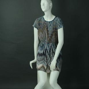 美亚展示,20年专业生产服装模特、货架