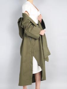 零时尚17新款军绿色外套