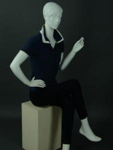 美亞展示新款男士模特