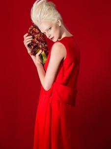 D2M红色连衣裙