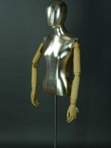 美亚展示新款时尚模特