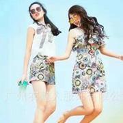 衣魅人女装 印花打造夏日的时尚风情