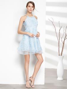 彤欣格女装新款无袖浅蓝色连衣裙