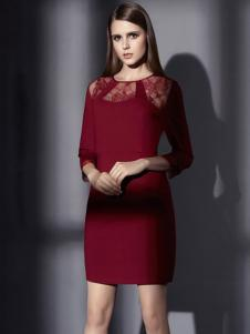 俏帛女装新品酒红色连衣裙