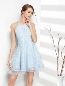 彤欣格女装2017新款浅蓝色假两层连衣裙