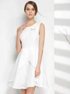 彤欣格女装2017新款白色圆领连衣裙