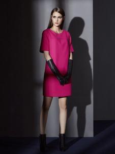 俏帛女装新品枚红色连衣裙