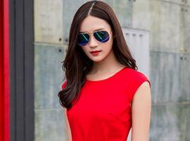 热烈祝贺中国服装网协助连女士签约轻奢轻淑音非女装!