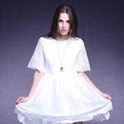 丽约尔女装时尚分享 有种女人,只有魅力,没有年龄