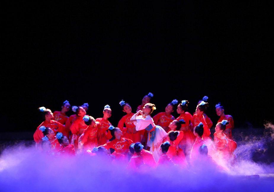 儿童演出服装小蝴蝶表演服装定制儿童舞台服装
