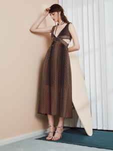 奥伦提17夏新款唯美吊带裙