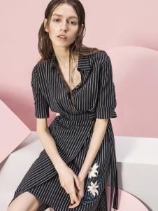 蓝色倾情女装2017春夏新品条纹连衣裙