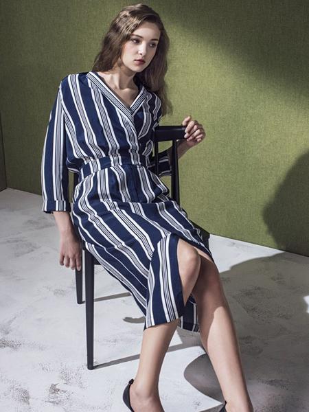 蓝色倾情女装2017新品