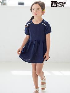 蓝角兽2017新款纯色短袖连衣裙