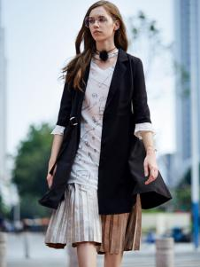 37度love女装新款黑色外套中袖
