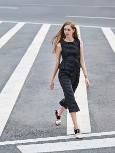 37度love女装新款黑色套装