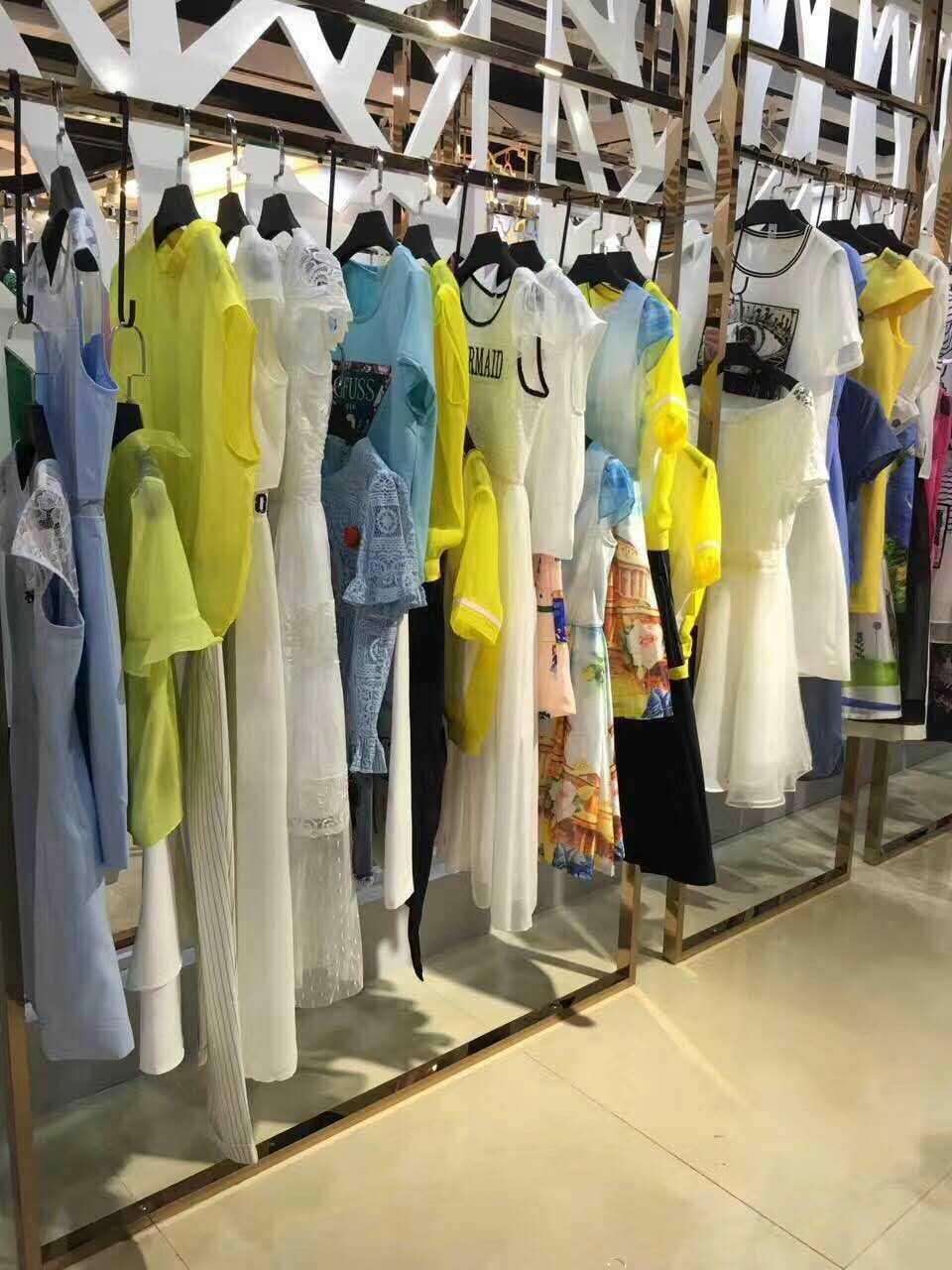 武汉品牌折扣女装店加盟超低价格零风险一手货源