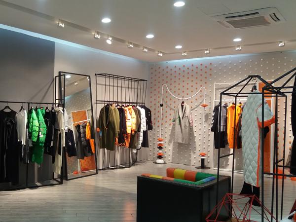 YDG轻潮女装2017实体店品牌旗舰店店面