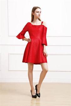 娅美悉2017新品红色连衣裙