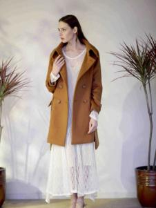 格纶雅女装棕色外套