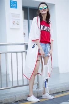 洛维缇2017新款白色长款外套