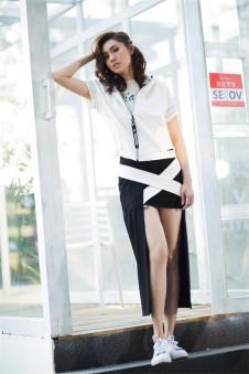 洛维缇2017新款黑色半裙