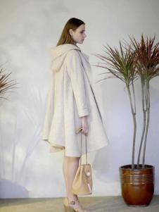 格纶雅女装白外套