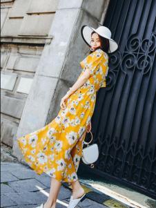 酷芭芭kbb新款花朵印纹连衣裙