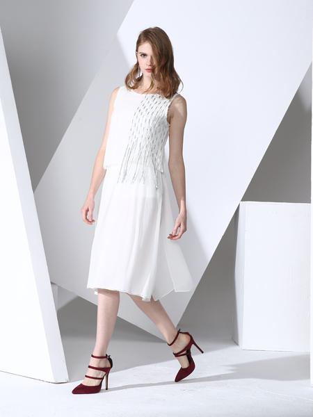 凯伦诗2017新款白色连衣裙中长款