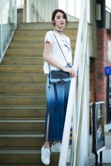 唯一2017夏季新品蓝色牛仔裤
