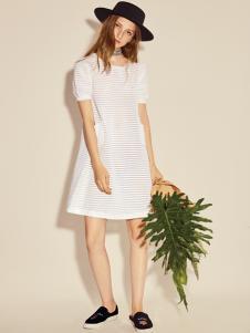 西蔻17新款一字肩白色连衣裙