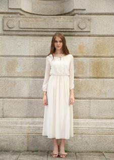 独傲女装17年白色连衣裙