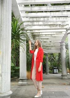 独傲女装17年大红色外套