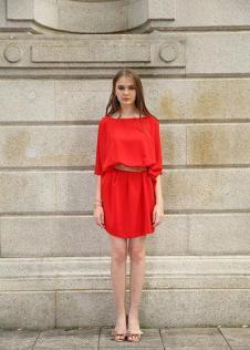 独傲女装17年红色连衣裙