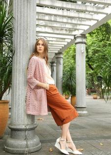 独傲女装17年粉红色外套
