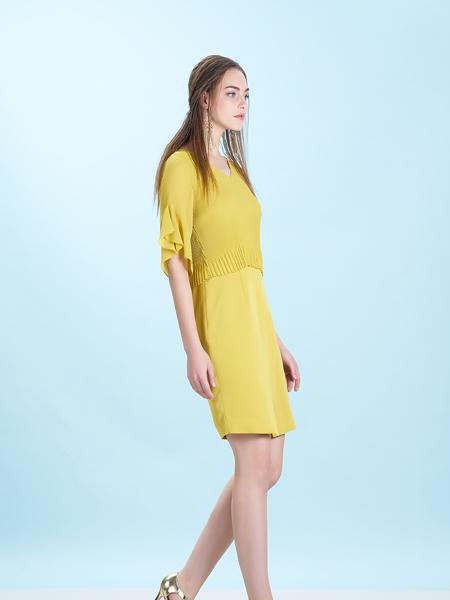 卡索女装17夏新款连衣裙