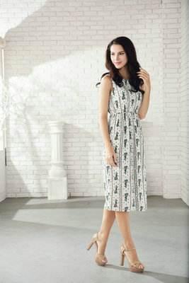 Saslax流行穿搭,印花裙多多益善