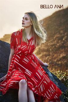 BELLO ANN2017夏季新品红色收腰裙