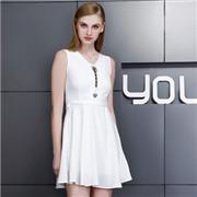 YOLSO依然秀新品上市,难以抗拒的时尚淑女魅力