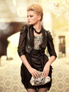 衣肖秀新款黑色短外套