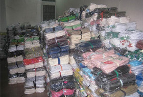 深圳长期回收库存服装,收购库存服装