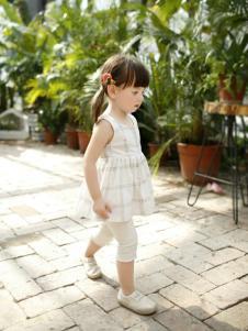 兔子杰罗夏季新款无袖圆领连衣裙