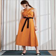 奥伦提女装新品 气质风连衣裙穿搭技巧,简单让你变美女