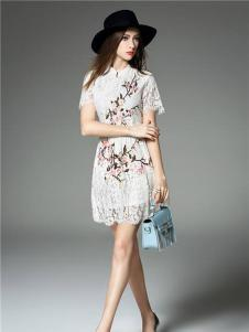 芝麻E柜2017新款蕾丝印花连衣裙