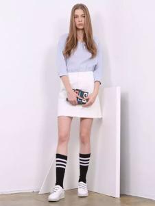 芝麻E柜2017新款白色A字裙