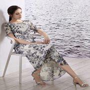 允硕女装新品 穿着碎花裙让人分分钟拜倒在你的裙下