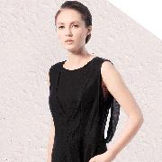 时髦达人爱穿的小黑裙一点也不简单