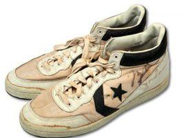 乔丹19万美元拍卖1984奥运决赛所穿匡威鞋,创下纪录