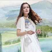 艺域女装新品 棉麻套装展现女性文艺气质